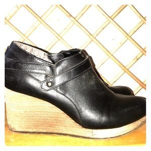 Dr Scholl's 7.5 Black Leather Wedge Ankle Boots
